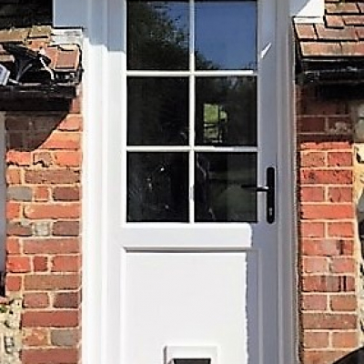 Image: 2017-10/emplas-back-door-with-catflap.jpg