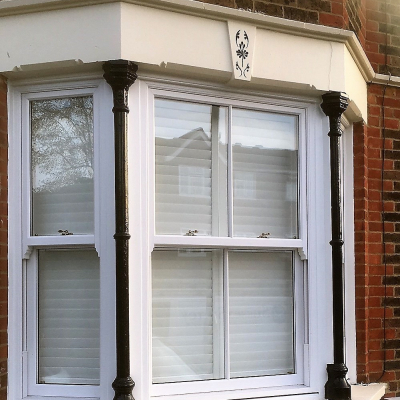 Image: 2017-11/masterframe-authentic-sash-window-with-central-astragal-bar.jpg
