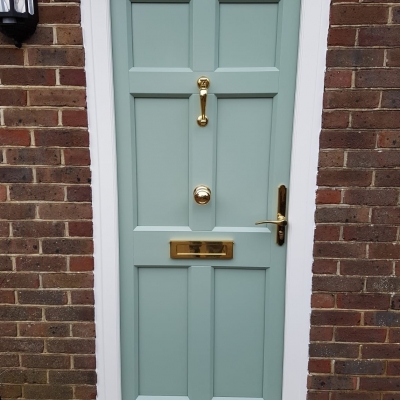 Image: 2020-01/edc-maple-front-door-in-chartwell-green-with-lacquered-polished-brash-hardware1.jpg